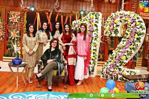 Kubra Khan, Sarah Khan, Iqra Aziz and Sonya Hussain at 12 Anniversary of HUM TV (7)