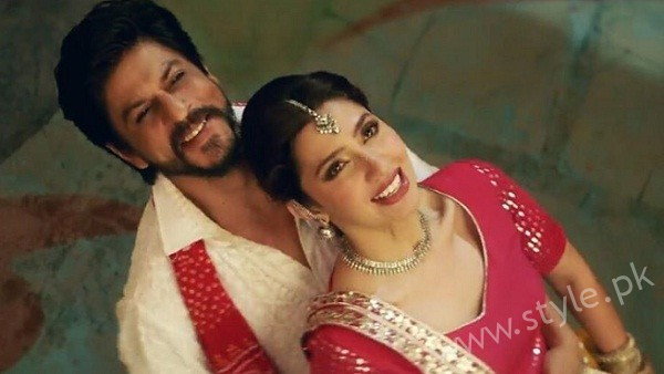 Mahira and SRK in Raees