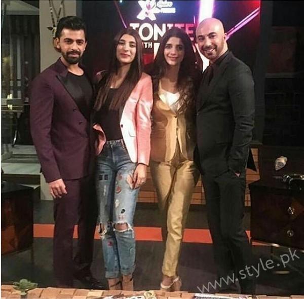 Marwa Hocane, Urwa Hocane and Farhan Saeed at Tonight with HSY (2)