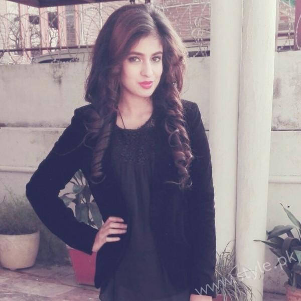 Miss Veet Pakistan 2016 Zainab Raja's Biography (19)