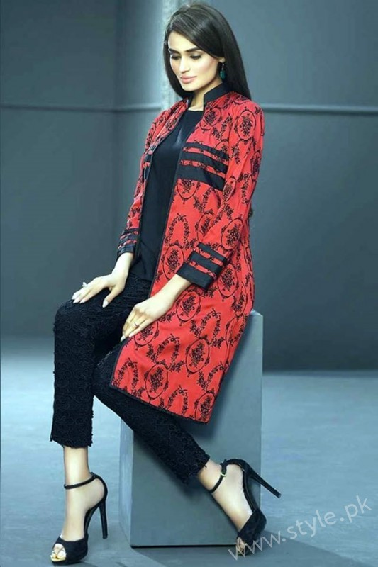 See New gown style dresses in Pakistan