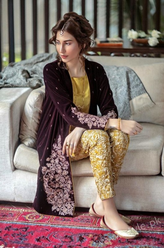 New gown style dresses in Pakistan (27)