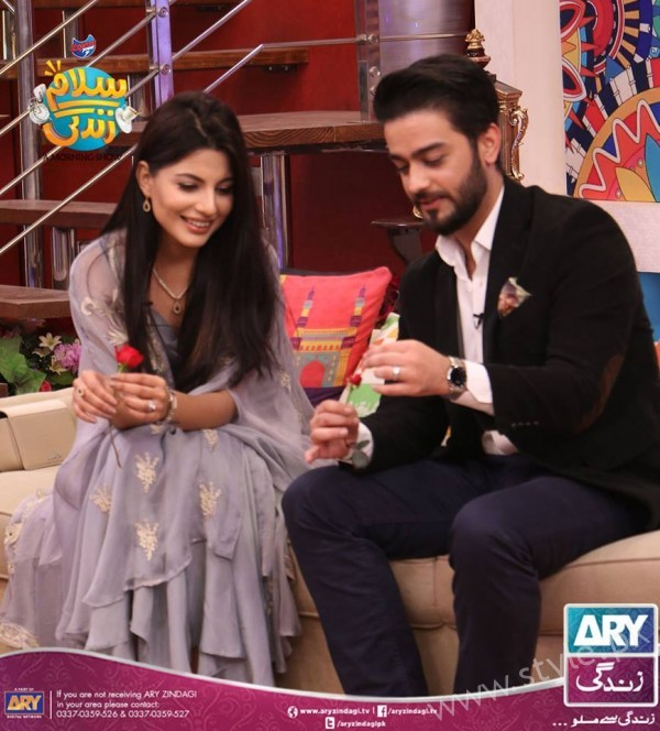 Newly Wed Couple Ahmad Zeb with his wife in Salam Zindagi (6)
