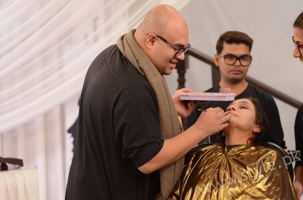 Waqar Hussain Makeup Class Good Morning Pakistan (4)
