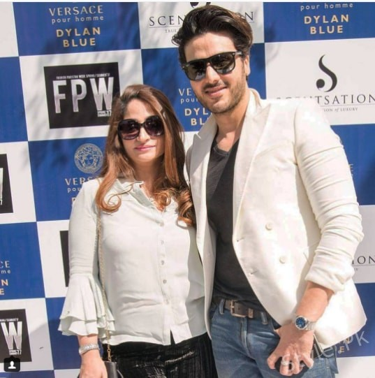 See Recent Pictures of Ashan Khan with his wife