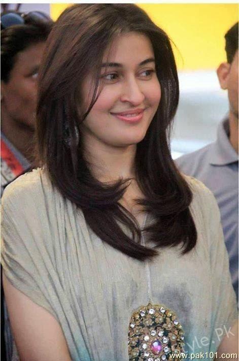 Shaista Lodhi Before Surgery