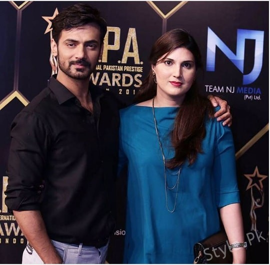 See Zahid Ahmed with his wife - Zahid Ahmed Wife pictures