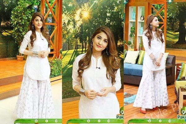 See Hina Altaf in Jago Pakistan Jago