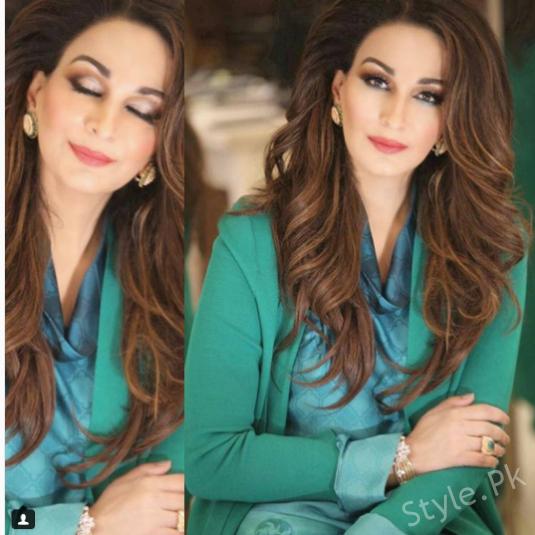 See Sherry Rehman's breathtaking Photoshoot for Hello Pakistan