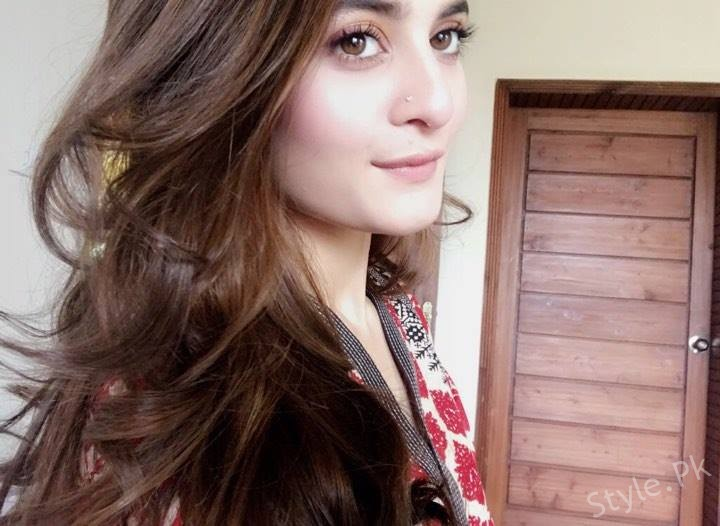 Aiman Khan Latest Clicks From Her Snapchat 14 June 2017