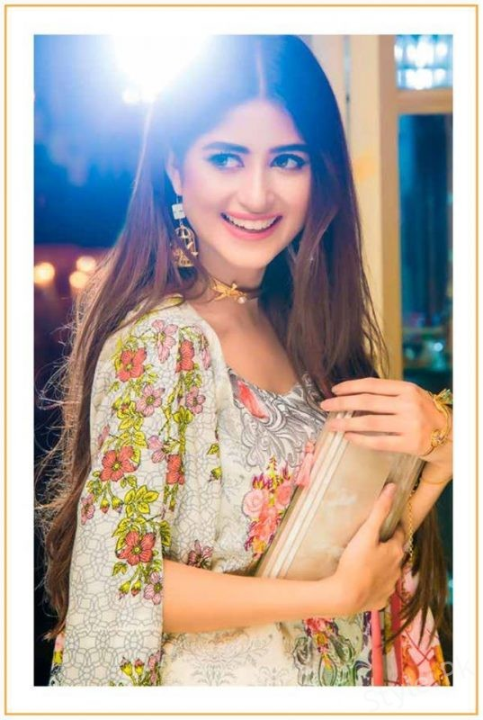 See Sajal Ali looks stunning in her Latest Lawn Shoot