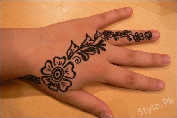 Mehndi For Thumb : Beautiful mehndi designs for kids