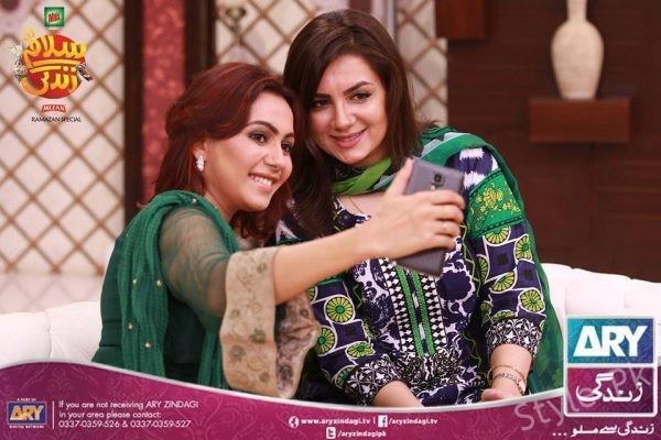 Pakistan Showbiz Lollywood Super Star Faysal Qureshi At Salam Zindagi With His Wife And Daughter