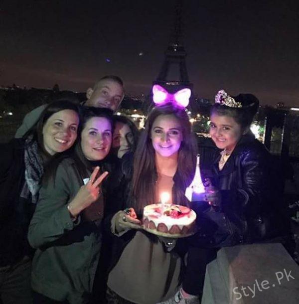 See Noor Bukhari Celebrated her Birthday in Paris