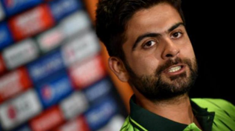 see Pakistani Cricketers Taking Side Of Ahmad Shahzad After He Was Bashed!