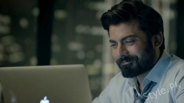 see Fawad Khan Creates Frenzy In India Here's Why! (3)