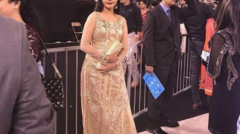 see First Pakistani Actress In The IIFA Awards 2017!