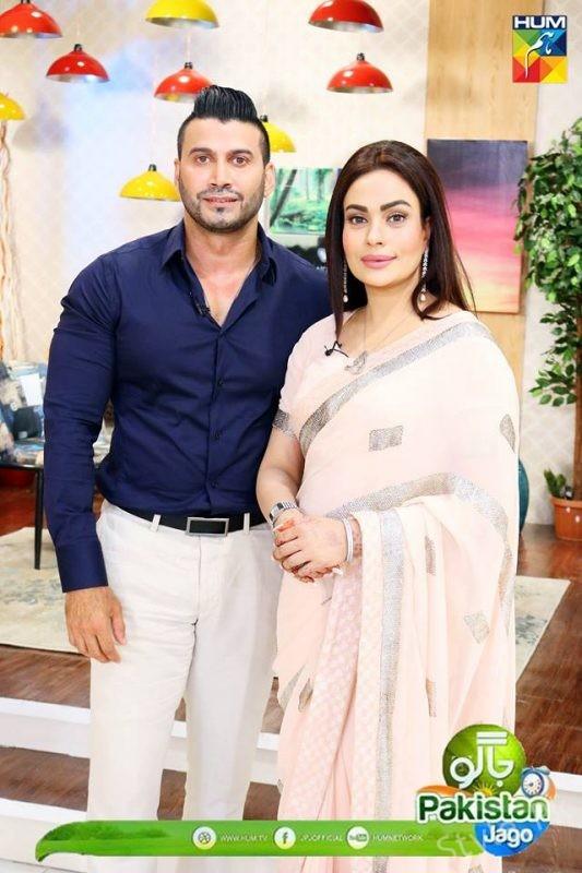 See Sadia Imam with Her Husband Adnan in Jago Pakistan Jago