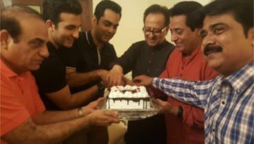 see Nadeem Baig's Golden Jubilee In The Film Industry And Team 'Chein Aye Na' Celebrated It!