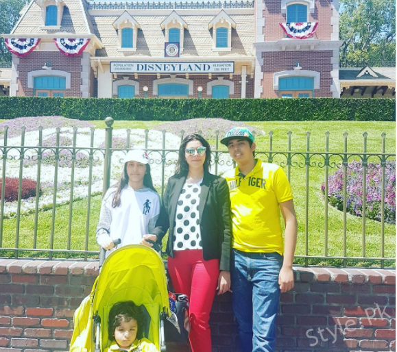 Nida Yasir With Her Kids Enjoying Vacations In LA USA
