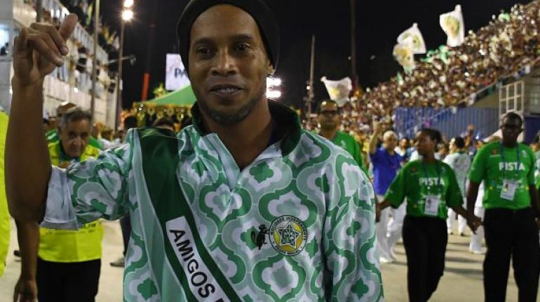 see Ronaldinho is in Pakistan; Here it is How You Can Meet Him!