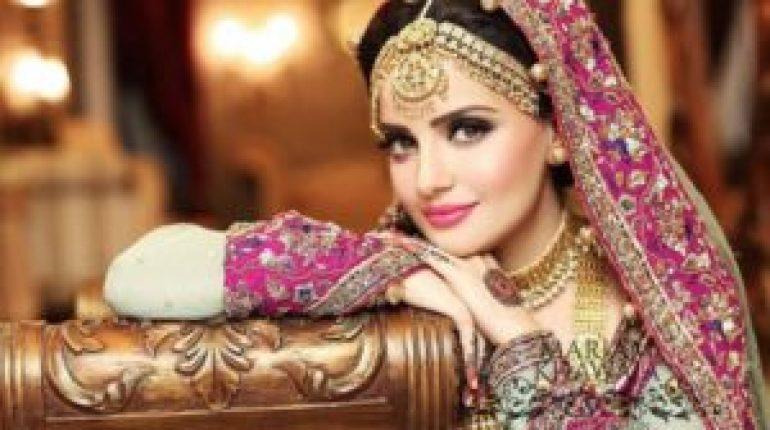 see Armeena Rana Khan Officially Introduces Her British Bae!