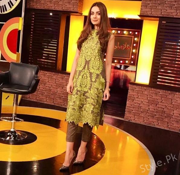 See Alyzeh Gabol on the set of Mazak Raat
