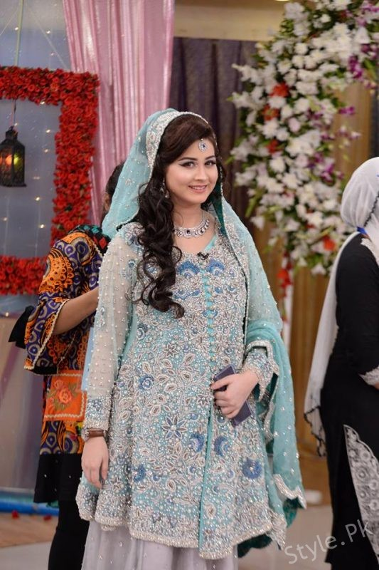 00b1b2b41e585 Beautiful Pakistani Bridal Walima Dresses. Advertisement. Advertisement.  Also see: Shahroz Sabzwari's Birthday Celebrations