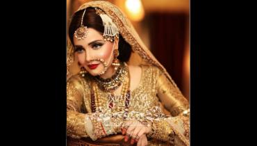 see Armeena Rana Khan Look for her Photo-shoot Disclosed by Mariam Khawaja!