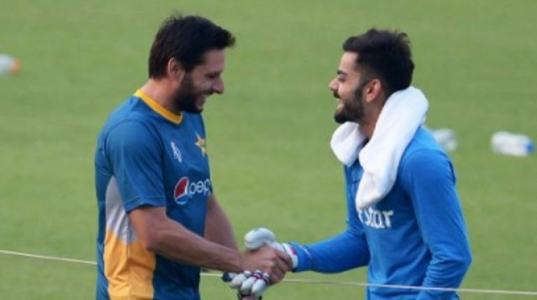 see Virat Kohli's Heart Melting Gift for his Favourite Cricketer!