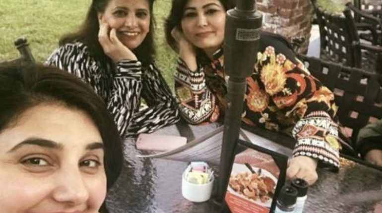 Javeria Saud Enjoying Herself In Texas, pakistani celebrities, famous host, pakistani host javeria, javeria saud, pakistani celebrity