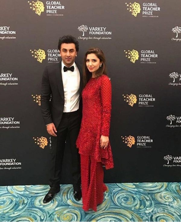 See Ranbir Kapoor broke Silence on his Pictures with Mahira Khan