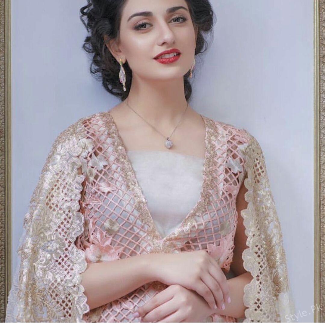 Sara Khan's Delicate Photo-shoot For AghaNoor