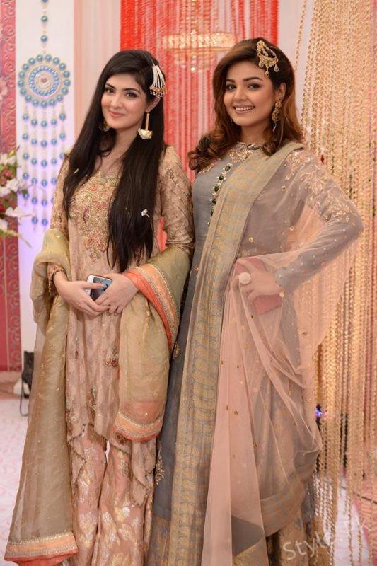Actress Aleezay Tahir And Isha Noor in Nida Yasir Show
