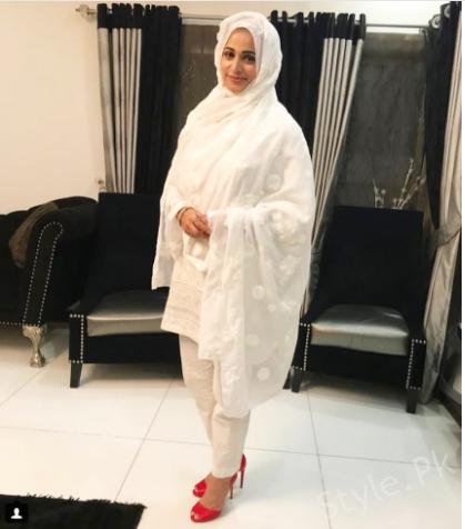 Latest Clicks of Noor Bukhari in Full Hijab