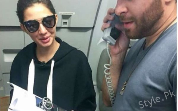 Team Verna Surprises Passengers On A Flight From Karachi To Lahore