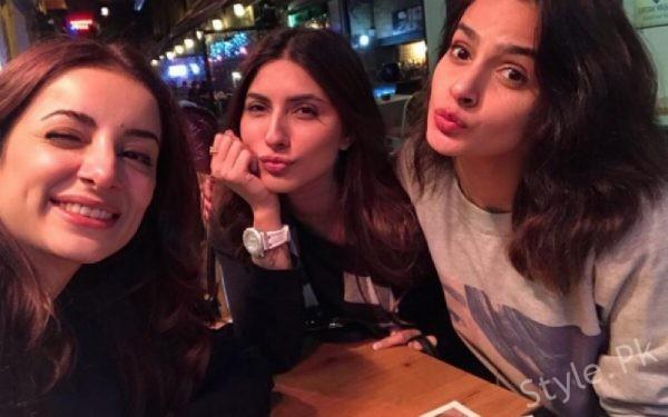 Team Jawani Phir Nahi Ani 2 Roams In Turkey