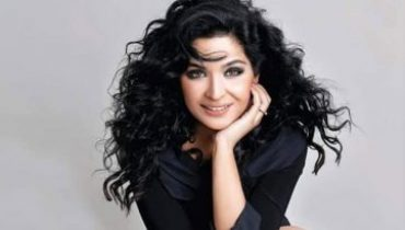 Meera Jee Sings the Titanic Anthem