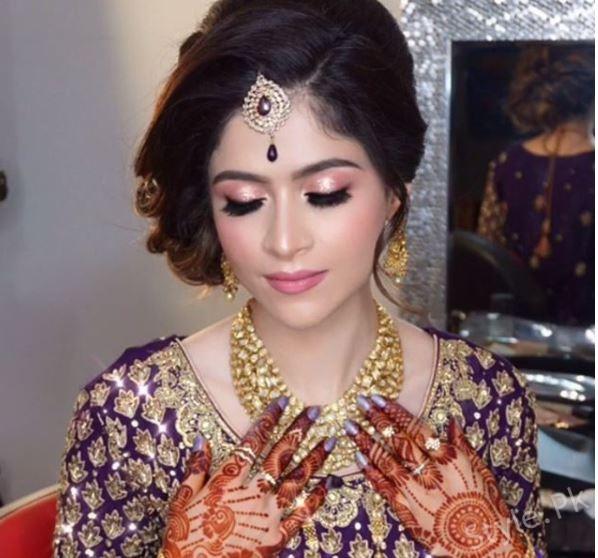Arij Fatyma Looks Stunning On Her Reception In Canada