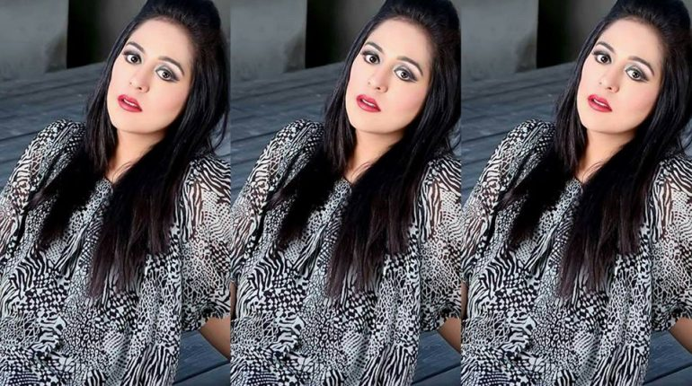 Latest Beautiful Clicks Of Yasra Rizvi With Her Husband Abdul Hadi