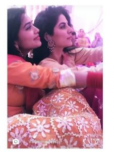 Pictures Of Sanam Baloch At Dholki Of Her Sister Ghanwa Baloch