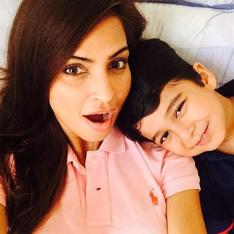 Pakistani Celebrities Enjoying The Cutest Mom Moments With Their Kids