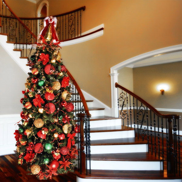 Budget Christmas Decorating: Decorating A Christmas Tree On Budget