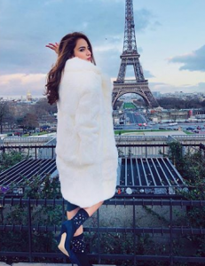 Pictures Of Sadaf Kanwal And Alizay Gabol Vacationing In Paris