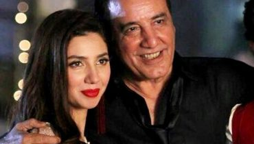 Javed Sheikh Responds To Haters With An Epic Kissing Photo