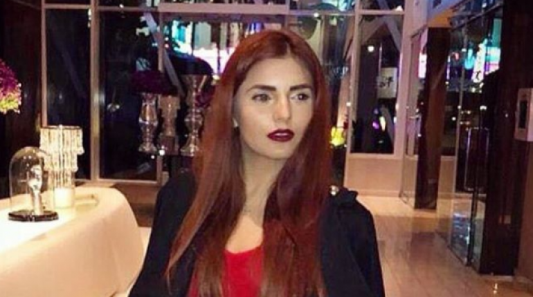 Momina Mustehsan Shut Internet Trolls With Epic Response On Her Bold Lipstick