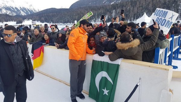 Shahid Afridi Wins Hearts Across The Border