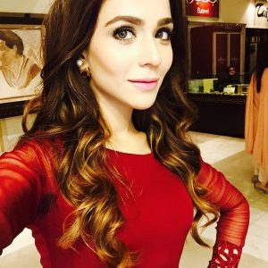 These Pakistani Divas Look Super-Hot In Red