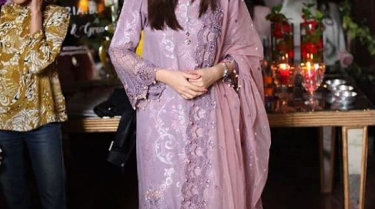 See Sana Javed Spotted at a Recent Event