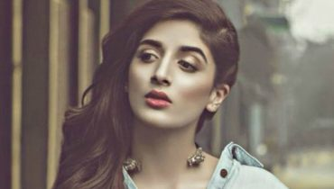 Mawra Hocane Has Totally Nailed The 1940's Look, Mawra Hocane, famous Mawra Hocane, stunning look Mawra Hocane, stunning look